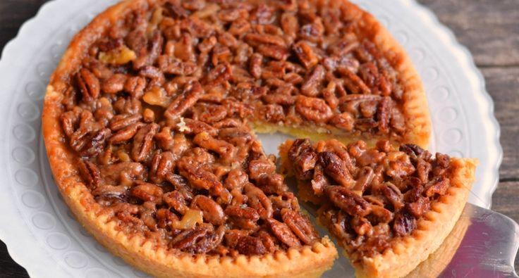 Pekándiós pite recept: Gyorsan elkészíthető, kissé karamellás ízű, pekándiós pite receot, mely bármilyen alkalomra ideális süti lehet. Isteni finom! ;)