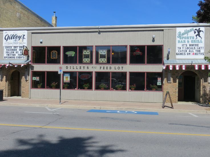 Gilley's Feed Lot Restaurant & Banquet Hall, 832 Queen Street, Kincardine, ON