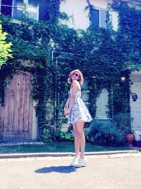 summer dress with sneakers Today's Style♪の画像 | ローラ Official Blog「OK!OK!」Powered by…