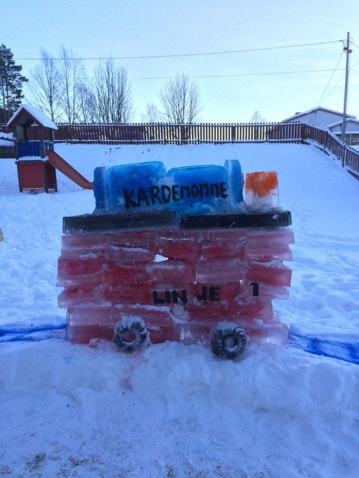 #is #isskulptur #kardemommeby #trikken #ice #Egner