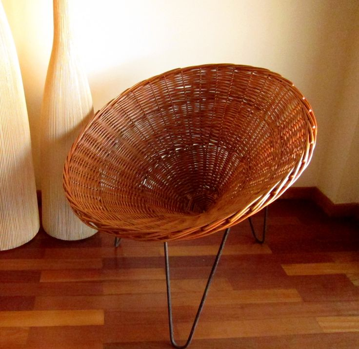 Vintage 1950's Wicker Chair - Handmade in Portugal.  More info and orders: tropikinstante@gmail.com  https://www.facebook.com/tropikinstante/posts/281216668893496