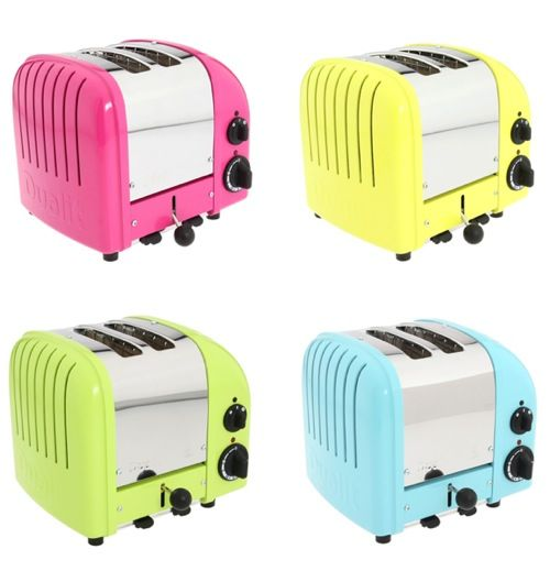 MUST ... HAVE ... ONE ... of these toasters!! I think I'll take turquoise :)