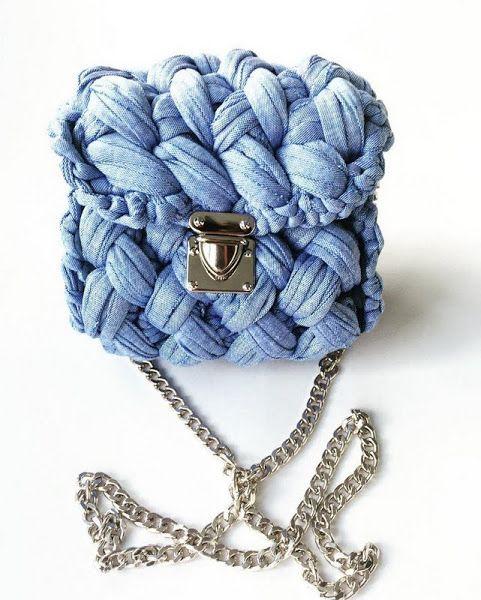 Crochet t yang slingbag