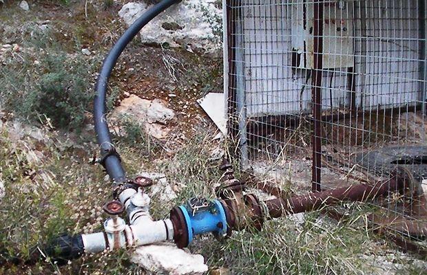Κόβουν το νερό ξηλώνοντας υδρόμετρα στους αγρότες της Μεσαράς