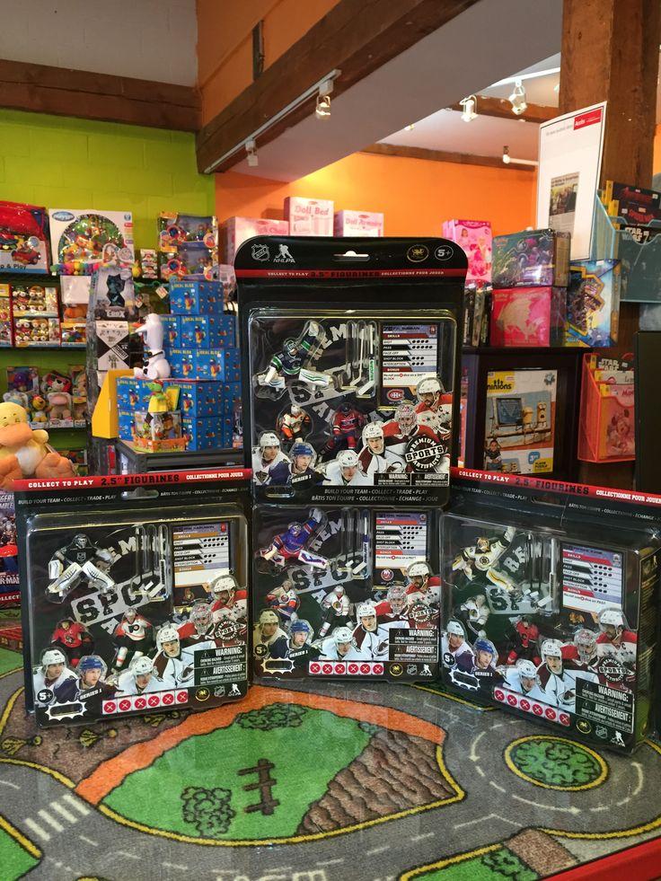 Les 4 jeux sont disponibles en magasin! Détaillant officiel du jeu NHL d'imports Dragon, Ensemble de départ, incluant Patinoire, dés, cartes et figurines. 24.99$ chaque. Disponible dans la boutique St-Sauveur (Laurentides) Boîte à Surprises, ou en ligne sur www.laboiteasurprises.ca ... sur notre catalogue de jouets en ligne, Livraison possible dans tout le Québec($) 450-240-0007 info@laboiteasurprisesdenicolas.ca