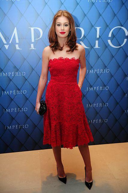 Marina Ruy Barbosa usou um vestido da grife Valentino na festa de lançamento da novela 'Império'