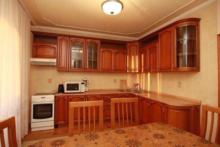 Предлагаем для долгосрочной аренды в Ставрополе  2 - комнатная квартира по адресу Лермонтова 210, Медакадемия, Роддом , ремонт современный,встроенная кухня, шкаф-купе, 2-х спальная кровать, общей площадью 90 кв.м, дом Новый кирпич, Крышн.котел отопление, Электро-плита, наличие бытовой техники - стиральная машина (+), холодильник (+), телевизор (+),парковка огороженный двор, номер объявления - 12778, агентствонедвижимости Апельсин. Услуги агента только по факту заключения…