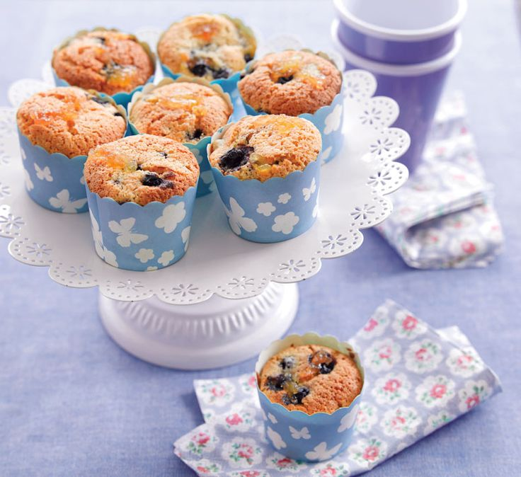 Apple, almond and blackcurrant muffins - Healthy Food Guide