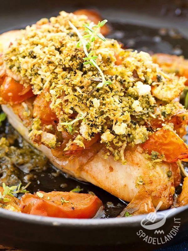I Petti di pollo gratinati sono un secondo semplice e veloce che in poche mosse risolve una cena. Golosissimo con la gratinatura a base di mandorle!