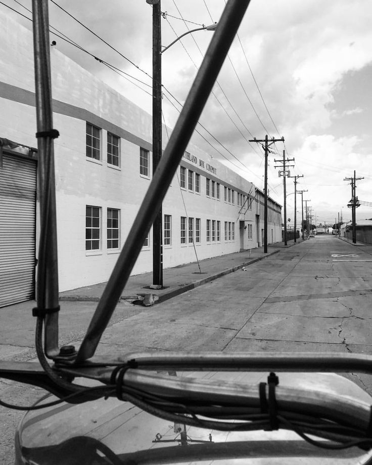 Going thru old pics.. making a delivery in Vernon California #truckerslife #roadlife #lifeontheroad #inmotion #trucking #truckersjourney #roadlife #trucking