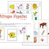 """Ayant commencé les alphas avec mes élèves de GS, je souhaitais travailler les voyelles et le """"é"""".  Voici donc le jeu """"attrape voyelle"""". Le principe est simple : les cartes alphas sont au centre..."""
