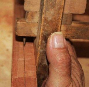 Oggi analizziamo in particolar modo un utensile antico, largamente utilizzato per tracciare e segnare il legno: il #graffietto.
