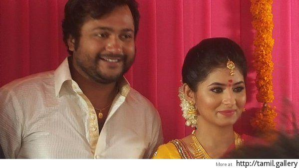 Bobby Simha-Reshmi Menon's engagement today - http://tamilwire.net/51475-bobby-simha-reshmi-menons-engagement.html