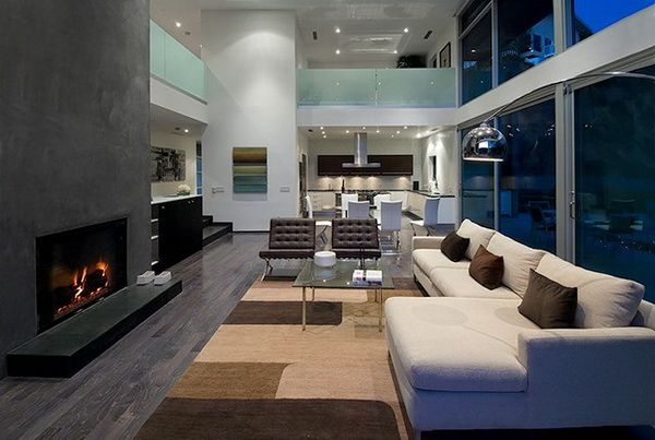 Soaring Modern Two-Story Home and Spacious Pool by Steven ...