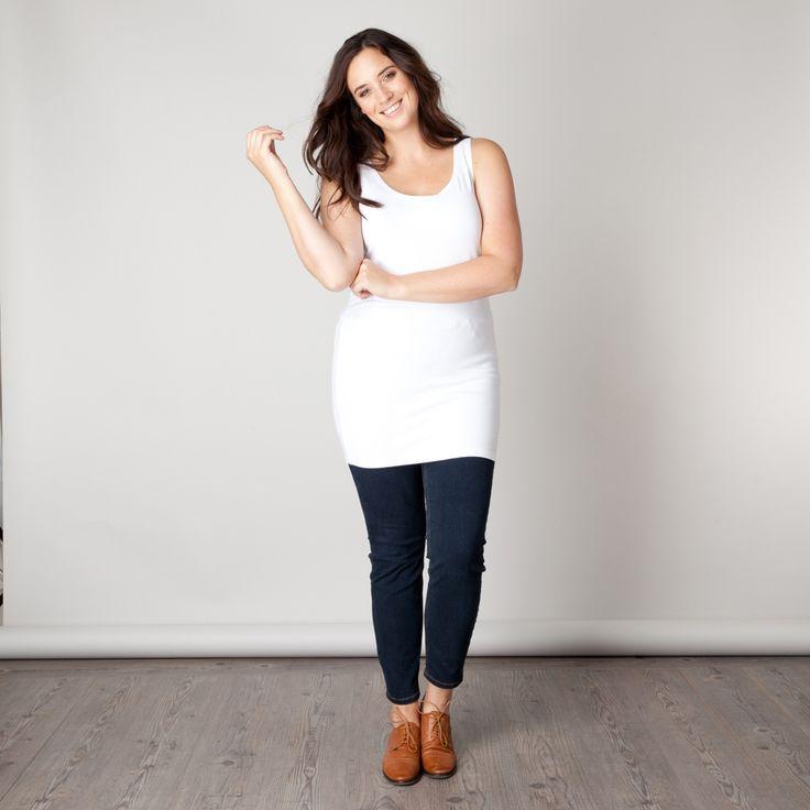 De Xamin top is een fijne top die prettig draagt onder de verschillende shirts, tunieken en jurken uit onze collectie. De top heeft een aansluitende p... Bekijk op http://www.grotematenwebshop.nl/product/top-van-x-two-voor-vrouwen-met-grote-maten-12/