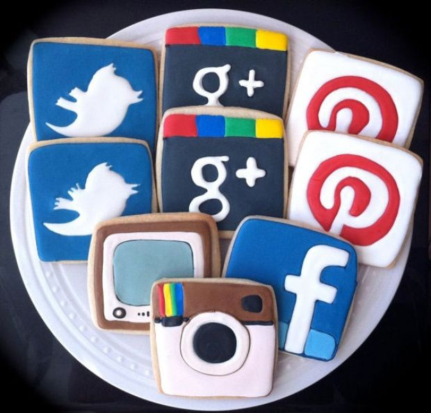 Social media sugar cookies. - Can we please make these? kthanks - http://www.gervaisgroupllc.com