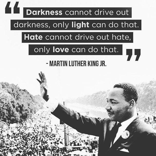 Hoje é um dia muito especial para tudo o mundo e como tal não podemos ficar indiferentes a este dia! Toda uma mudança de mentalidade graças a este senhor. Martin Luther King Jr  #NEDIUPOFICIAL #MLK #martinlutherking #instagood