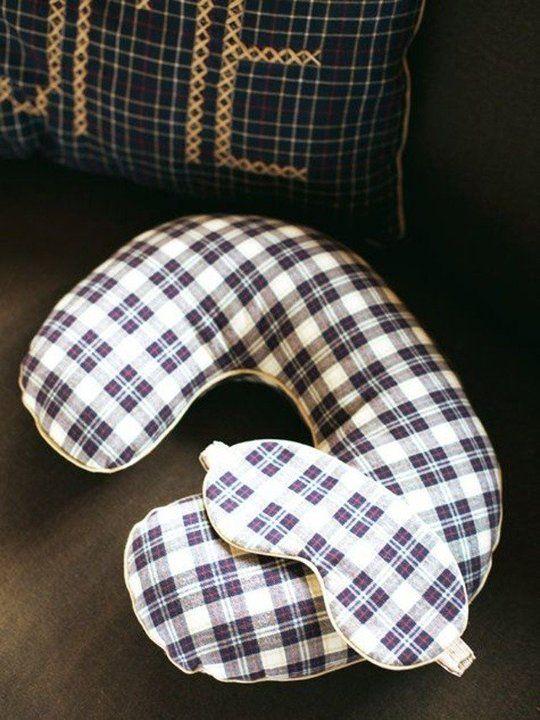 17 Best Ideas About Travel Pillows On Pinterest Seatbelt Pillow Tutorial Seat Belt Pillow And