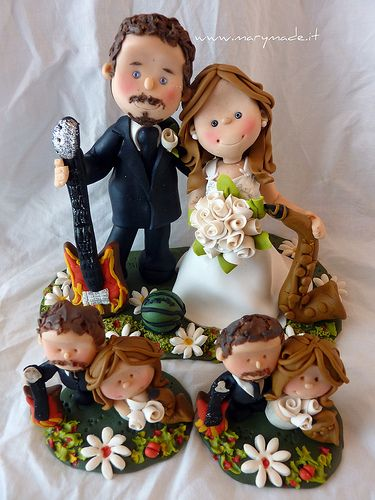 Back with a new #wedding #caketopper for a charming couple of #music enthusiasts, he loves playing the #guitar and she is a #saxophone fan!