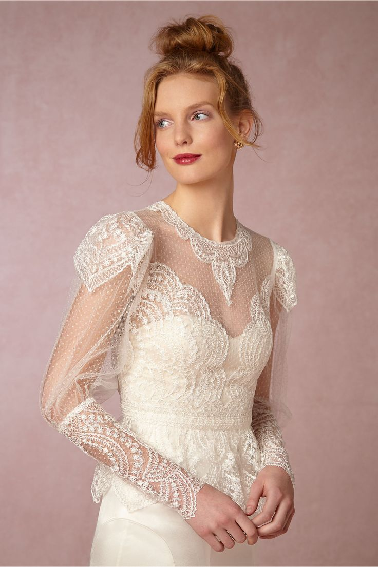 21 ridiculously stunning long sleeved wedding dresses to for Long sleeve wedding dress topper