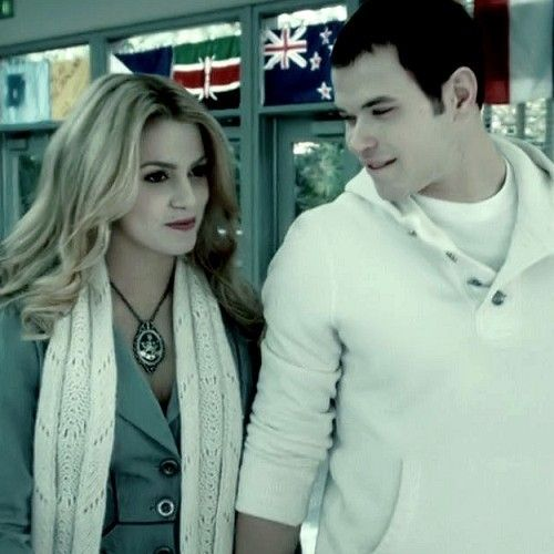 ♥ Emmett & Rosalie♥ - hale-to-the-cullens Photo