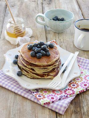 Banana & Oat Pancakes with Blueberries / Panquecas de Aveia e Banana com Mirtilos