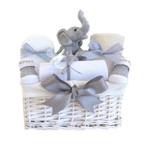 Your Perfect Unique Thoughtful Newborn Gift Basket Hamper Is Packed With 6 Baby Essentials A Perfect Pregna In 2020 Baby Gift Hampers Baby Shower Hamper Baby Hamper
