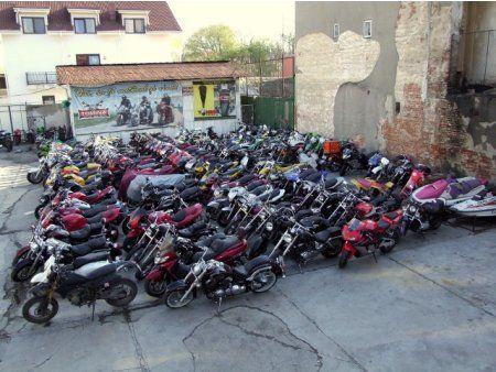 Executăm reparații pentru orice fel de motocicletă,scuter ,motor de barca ,generator de curent , freza de zapada Transformam Moto in Bobber si Cafe Racer.