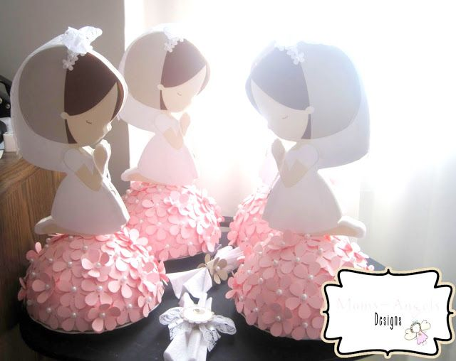 Girl Praying: Step by Step to Make Beautiful First Communion Centerpieces.