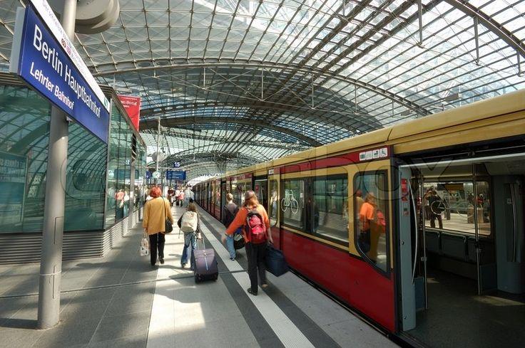 Main train station in berlin germany railway stations for Berlin to dresden train
