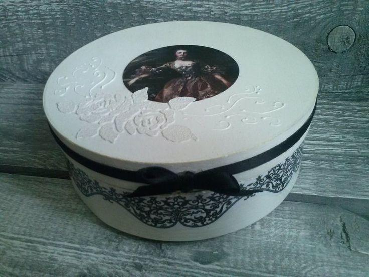 pudełko na biżuterię - decoupage w World of manually made decoration  na DaWanda.com