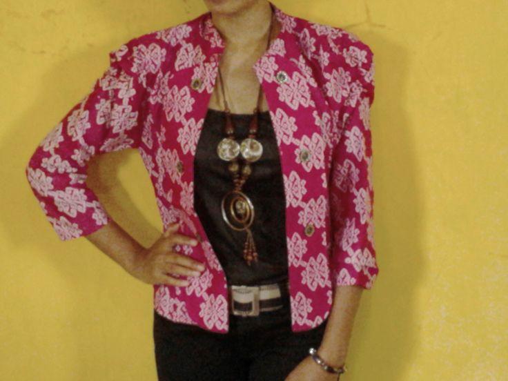 baju batik kerja wanita-blazer batik type catra pink  HARGA; Rp. 83.000,- kode: CATRA 04  lingkar dada: 74 cm - 95 cm panjang baju: 46 cm panjang lengan: 45 cm lingkar lengan :24 cm  BBM: 297d744f hp ;085642578411 YM: heru0387 info: http://viebatikdistro.com/baju-batik-kerja-wanita-blazer-batik-type-catra-pink