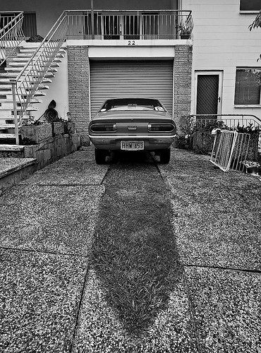 Symmetry - Garage way Flickr - https://www.flickr.com/photos/123419261@N02/ Tumblr - ozpicday.tumblr.com