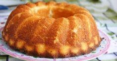 Ингредиенты: 1 кг творога 75 г манной крупы 4 яйца 125 г сл. масла или маргарина 225 г сахара 1 ст. ложка ванильного сахара 3-4 ст. ложки лимонного сока тертая цедра 1/2 лимона 1 пакетик разрыхлителя (10г) 1 упаковка порошка для ванильного пудинга (40 г) или 4 ч. ложки кукурузного крахмала (можно взять картофельный) с ванилином. Приготовление: Масло взбить с сахаром, ванильным сахаром, лимонным соком и цедрой до образования однородной массы. Добавить желтки. Манную крупу смешать с порош...