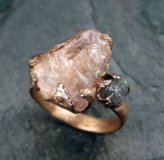 RAW Morganite diamant Rose or bague de fiançailles par byAngeline                                                                                                                                                                                 Plus