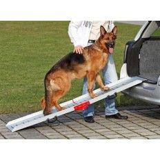 Stevige loopplank van aluminium, perfect voor grote en zware rassen, oudere honden en puppy's. Opvouwbaar en met anti-slip. Geen montage nodig. Belastbaar tot 120kg.  De looplank zelf weegt 10 kg.