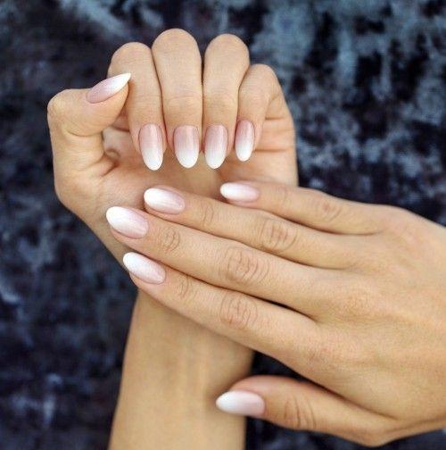 Baby Boomer Nails ist die neue moderne French Manicure – Nageldesigns