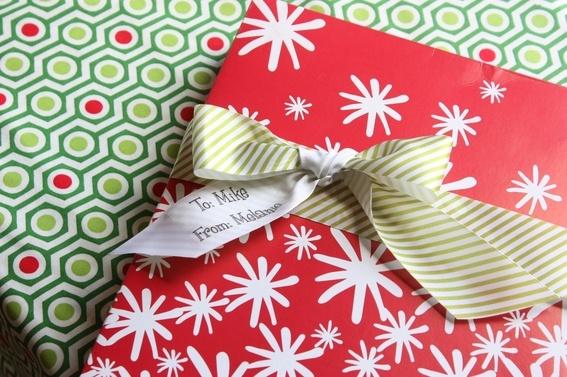Cute idea.Custom Gift, Custom Ribbons, Gift Wraps, Bows, Simple Gift, Easy Custom, Christmas Ideas, Ribbons Gift, Christmas Gift Tags