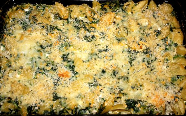 Lighter Baked Spinach Mac and Cheese