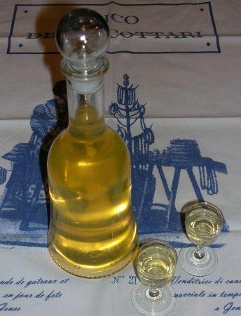 Invece del molto noto Limoncello, provate lo Zenzerello, un originale liquore…