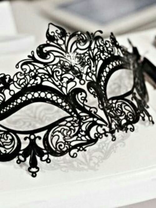 winter formal is a masquerade and that makes me happy