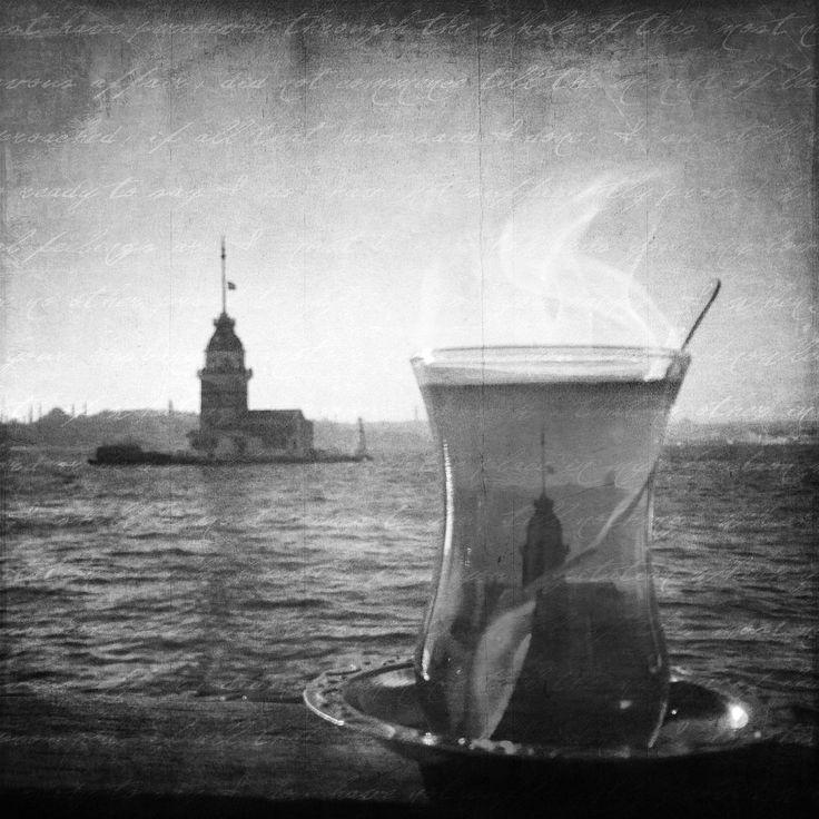 İki çay söylemiştik orda, biri açık, keşke yalnız bunun için sevseydim seni..   - Cemal Süreya   #cemalsüreya   #mahsunkadılı