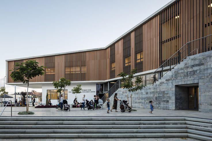 Gallery of Rehovot Community Center / Kimmel Eshkolot Architects - 1
