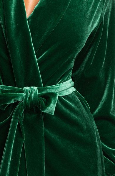 Oscar De La Renta - green velvet robe Luxurious ideas for your Christmas #christmas #luxury #giftideas