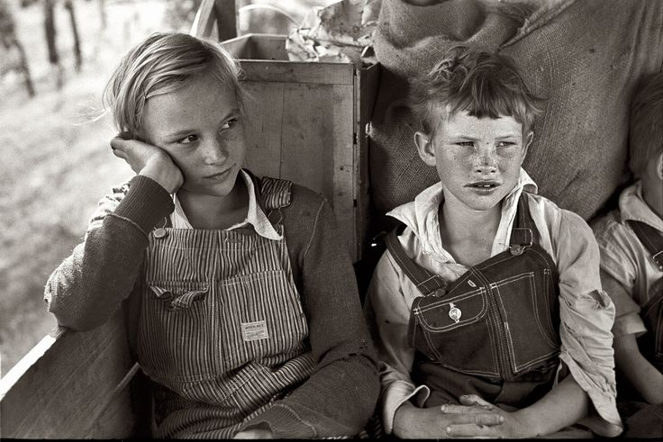 Migrant children heading west in the back seat of the family car somewhere east of Fort Gibson in Muskogee County, Oklahoma  June, 1939: 1930S, Forts Gibson, Depression Era, Children Sit, Muskog County, 1930 S, Families Cars, Migrant Children, Children Head