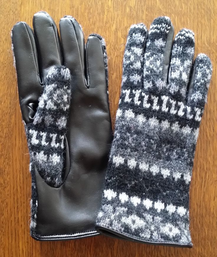 919-34 pattern with black leather palms.