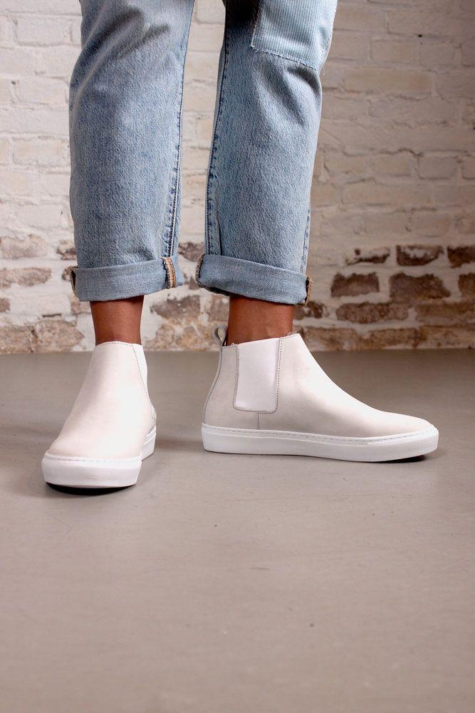 jeans - Levis // shoes - Samsoe