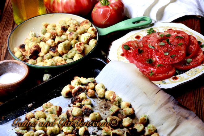 """Southern Baked """"Fried"""" Okra is one of my favorite guiltless Southern sides. You get the best of both worlds - healthy and yummy! www.gameandgarden.com #southernfoods"""