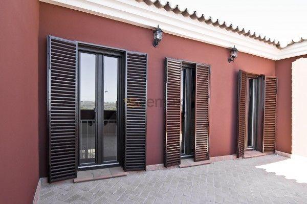 Mallorquinas tradici n y protecci n con estilo el uso de for Porticones madera exteriores