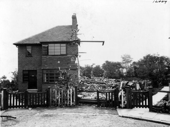 CliffThis house in Cliff Side Gardens, Leeds, was damaged by a bomb during the Second World War Blitz © Leeds Library Service Side Gardens